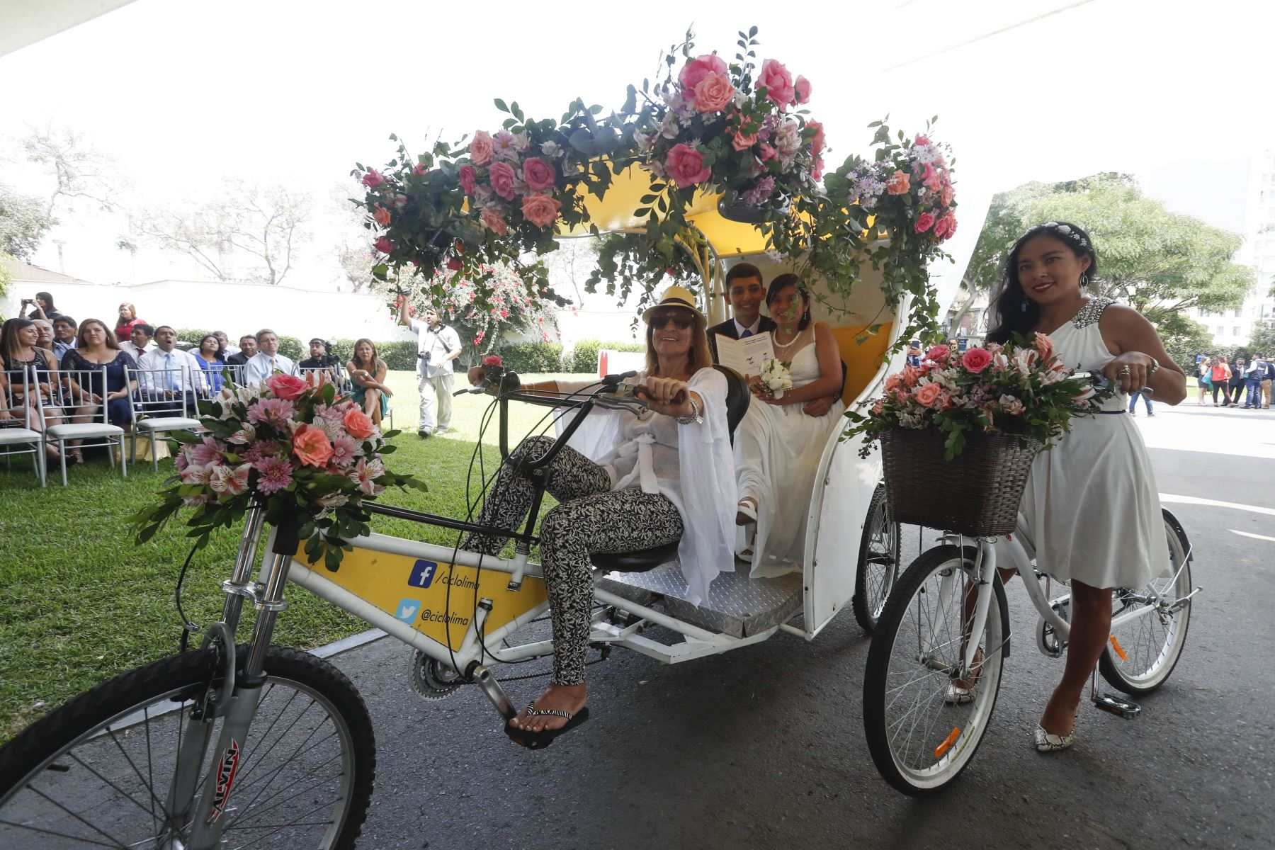 En el Día del Amor y la Amistad, ciento nueve parejas se dieron el sí ante la Ley en el primer matrimonio civil comunitario del año que organizó la Municipalidad de Lima. Foto: ANDINA/Renato Pajuelo