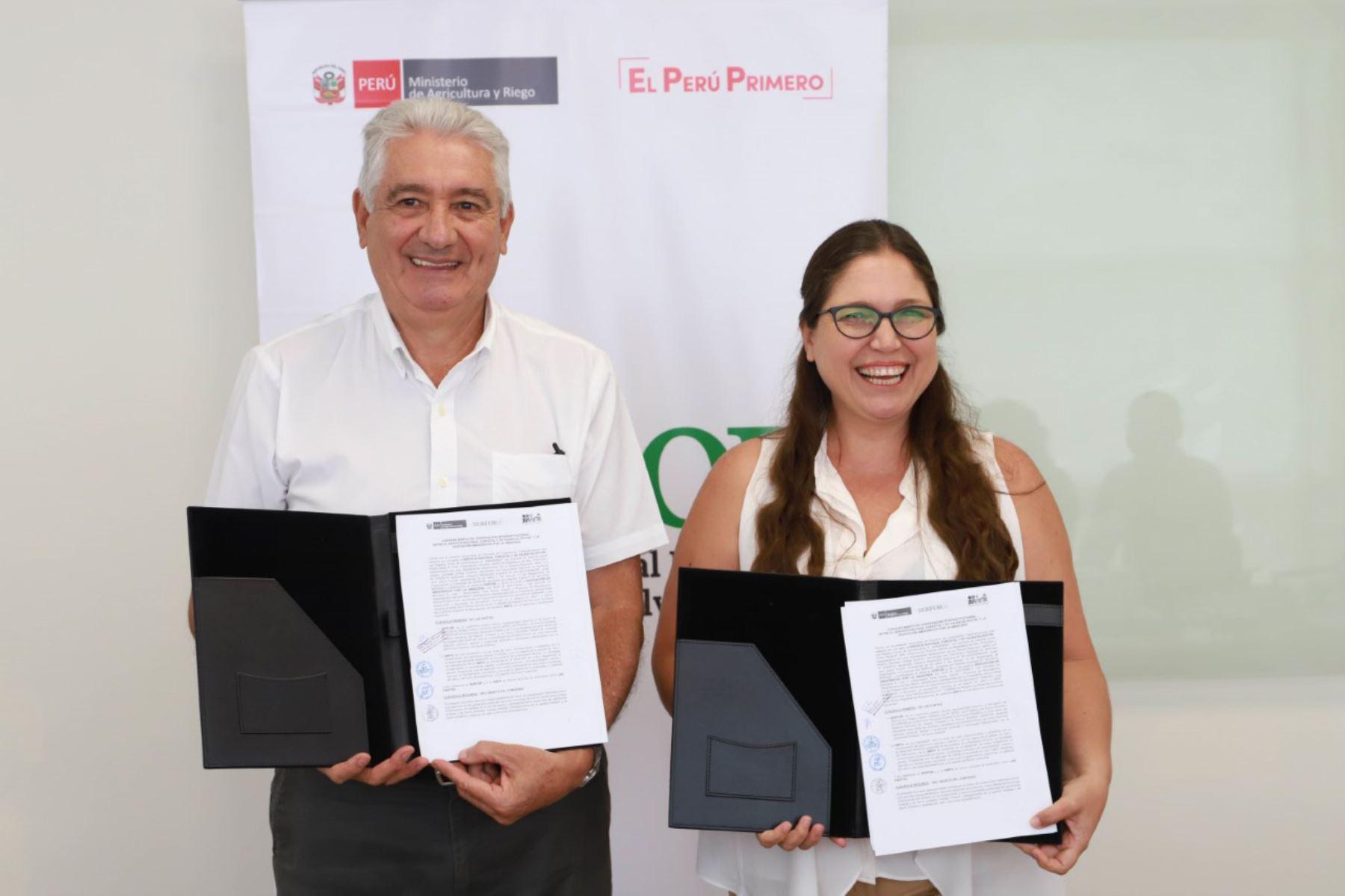 Firma de convenio entre Serfor y la Asociación de Amazónicos por la Amazonía