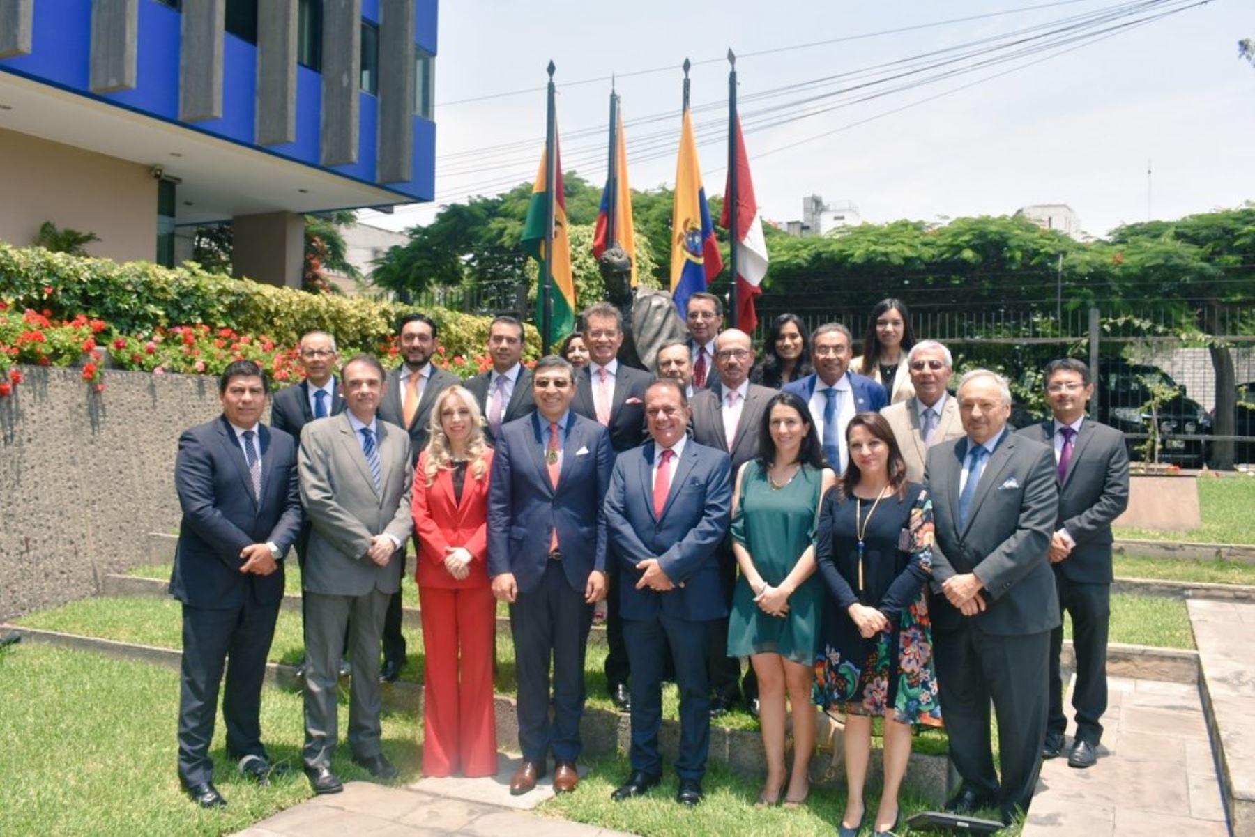Consejo consultivo empresarial de la CAN, al centro, el secretario general de la Comunidad Andina, Jorge Hernando Pedraza. Foto: Cortesía.