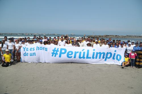 La campaña Salva Playas busca incentivar entre comerciantes, pescadores, familias y bañistas el adecuado manejo de residuos sólidos en zonas marino-costeras.