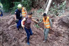 Ejército siguen apoyando a familias afectadas por las lluvias en varias regiones