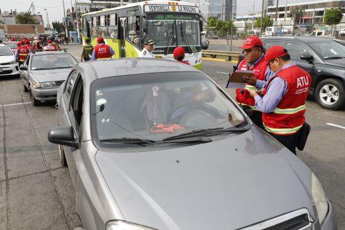 Aeropuerto Internacional Jorge Chávez: más de 100 taxis son intervenidos en Operación Turismo Seguro