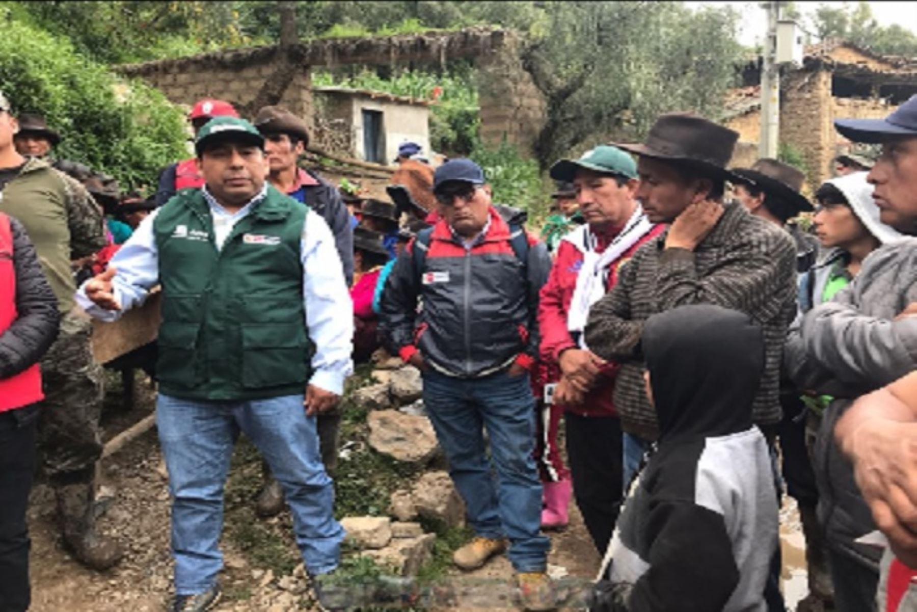 El Gobierno Regional de Ayacucho con el apoyo del personal del Ejército del Perú apoyará con las labores de limpieza y descolmatación.