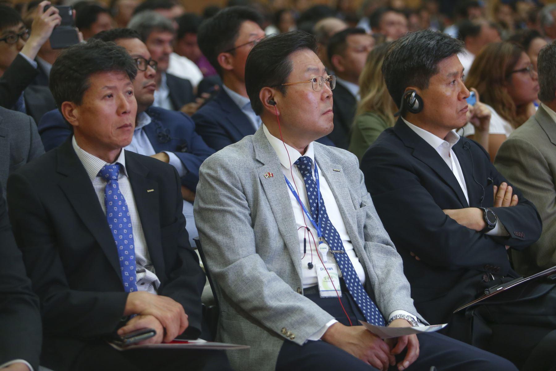 Empresarios coreanos durante la presentación del proyecto de construcción del Aeropuerto Internacional de Chinchero - Cusco. Foto: ANDINA/Jhonel Rodríguez Robles