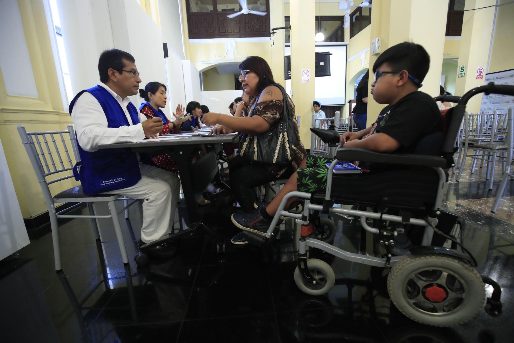 Defensoría del Pueblo recibe quejas de padres de escolares con discapacidad. FotoANDINA/Juan Carlos Guzmán