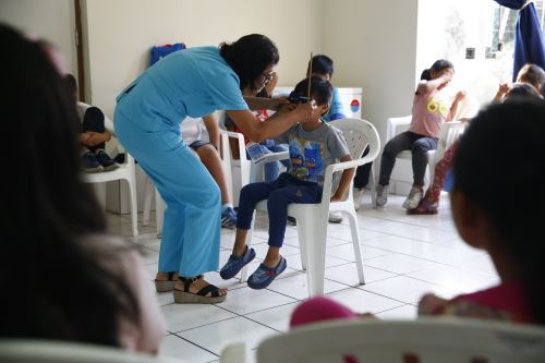Minsa realiza tamizaje ocular a niños en edad escolar