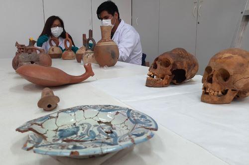 Laboratorio de arqueología de la Universidad Nacional de Trujillo preservará las piezas arqueológicas halladas en Huanchaco