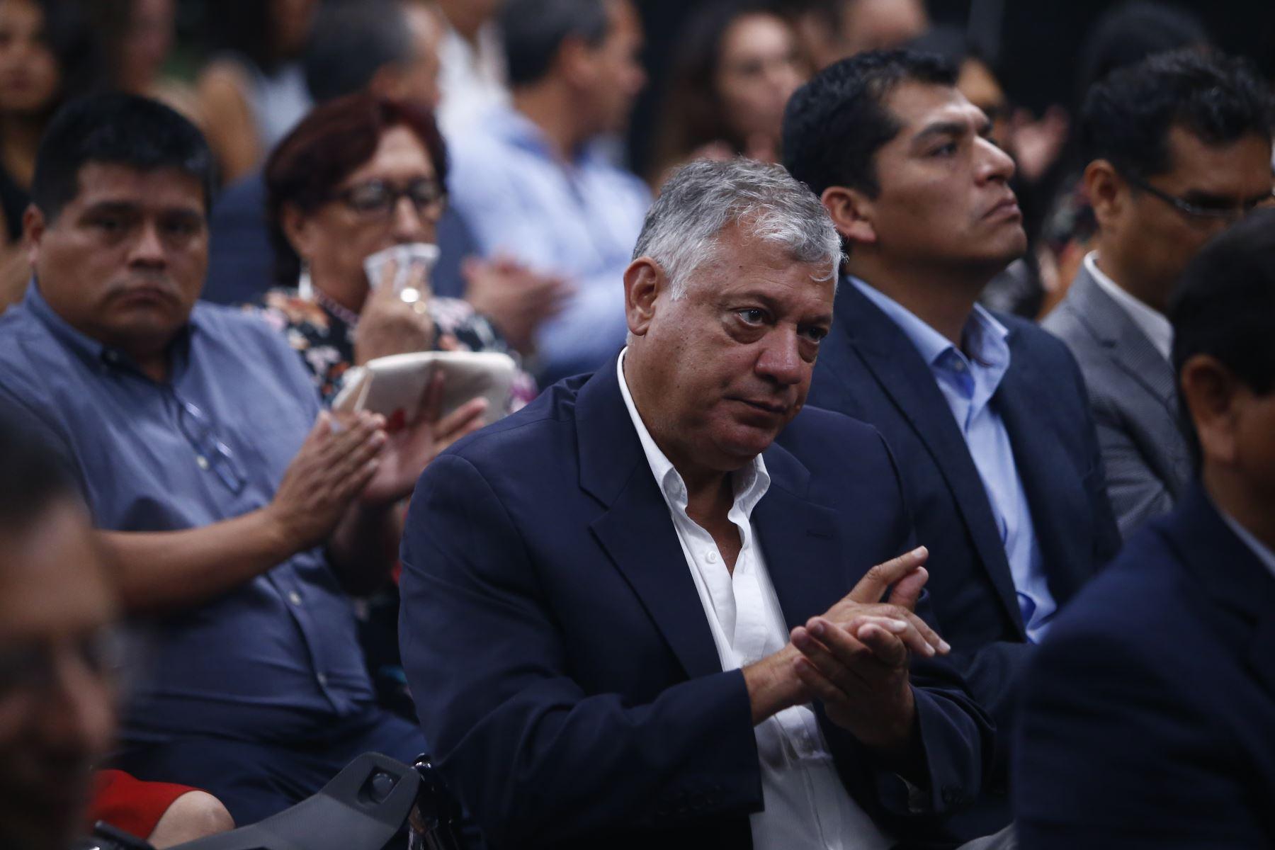 Varios empresarios asistieron a la ceremonia de entrega de los fondos. Foto: ANDINA/Jhonel Rodríguez Robles