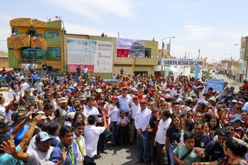 Presidente Vizcarra supervisó entrega de obras de rehabilitación de las calles del distrito de Santa Rosa de Chiclayo