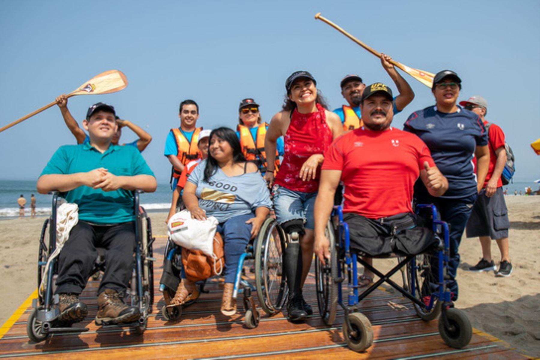 Agua Dulce se convierte en la playa con mayores componentes de accesibilidad para personas con discapacidad y adultos mayores. Foto: MVCS