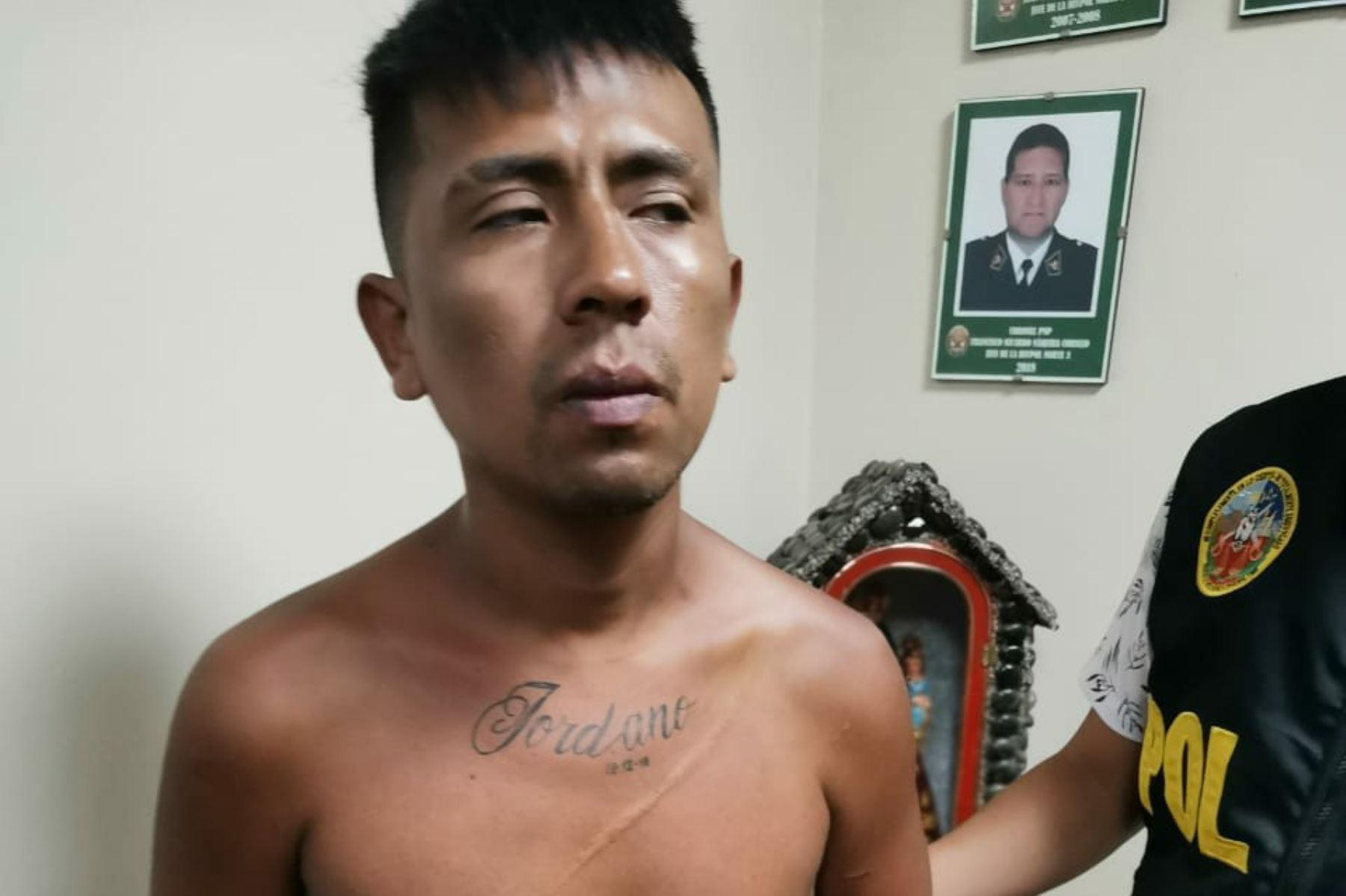 Asaltante de coaster detenido por la Policía. Foto: Twitter