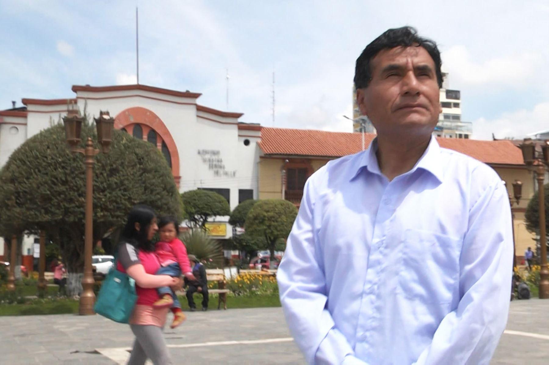 El docente Gerson Ames, natural de Huancayo, participa en el concurso Global Teacher Prize.