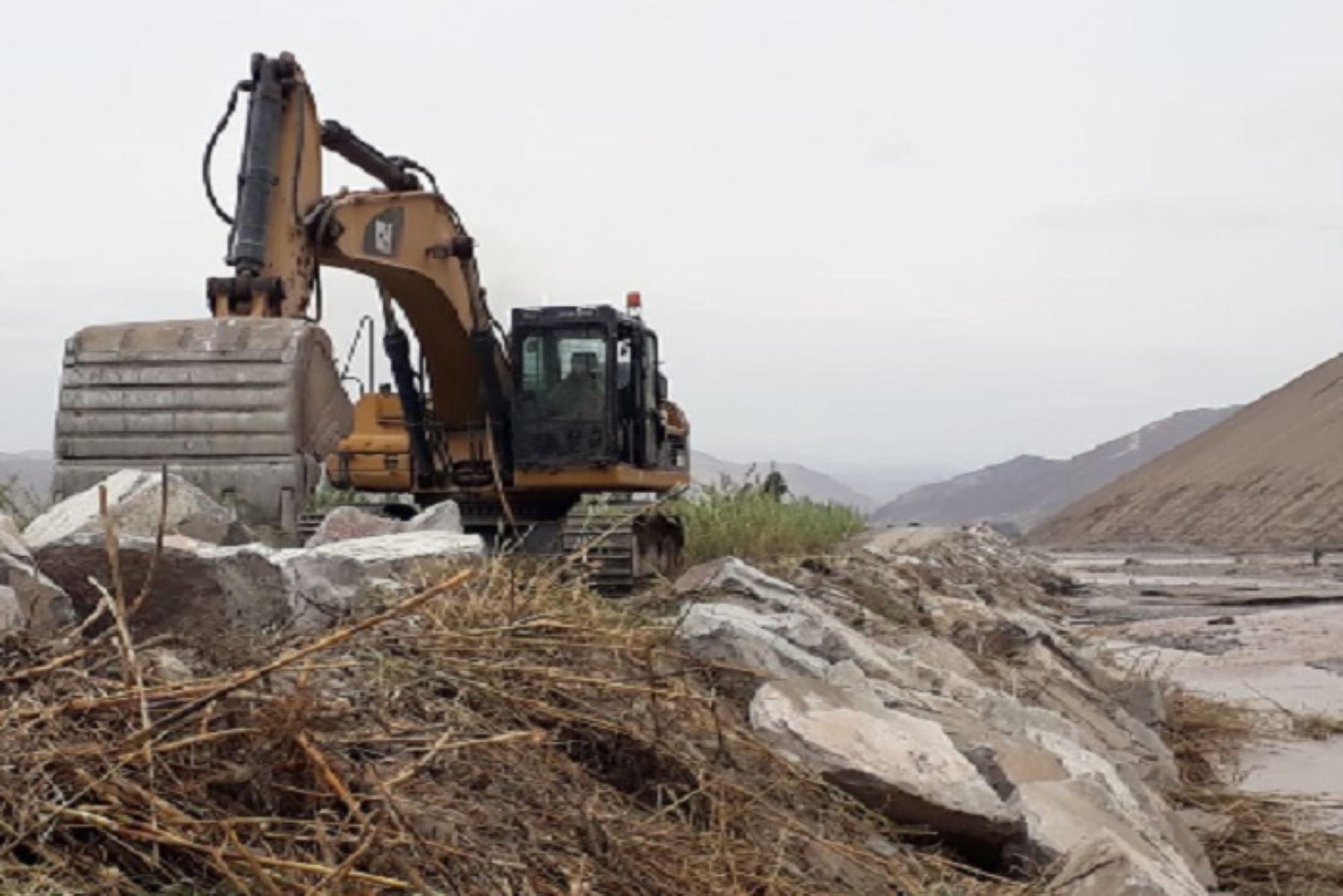 Obras se ejecutan con una inversión de S/1'120 934.99 y en el marco de la declaración de estado de emergencia del Gobierno.