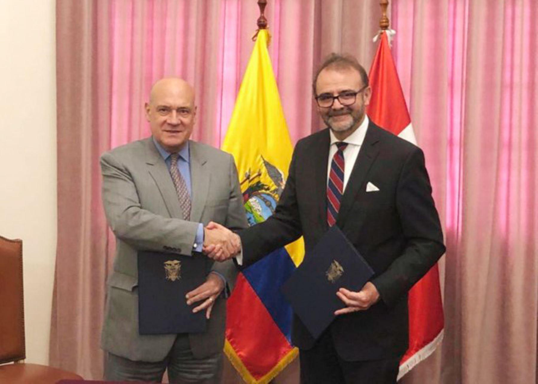 Perú y Ecuador acuerdan fortalecer lucha frontal contra la minería ilegal