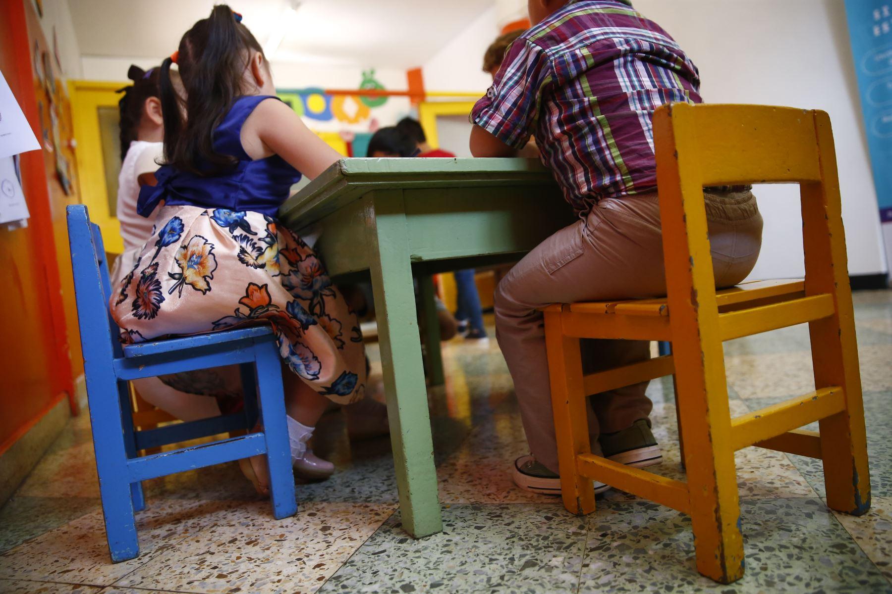 El mobiliario escolar debe ser de acuerdo a la estatura del alumno. Foto: ANDINA/Jhonel Rodríguez Robles