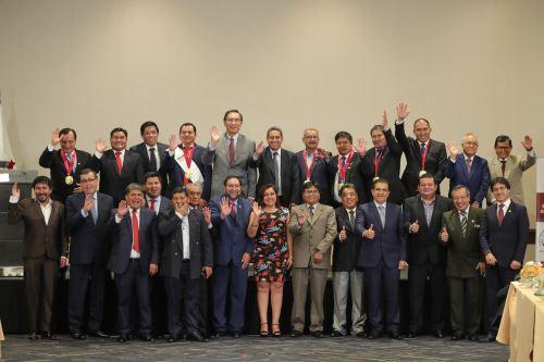 Presidente  Vizcarra participa en la juramentación  del nuevo Consejo Directivo de la ANGR 2020