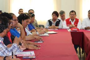 Una comitiva del Ejecutivo, encabezada por el Ministro de Agricultura y Riego, Jorge Montenegro, arribó a Tacna para apoyar la emergencia en nivel 4 que se activó en la región y atender las labores de rescate debido a los daños causados por el huaico producto de las fuertes precipitaciones en esa región del sur peruano.