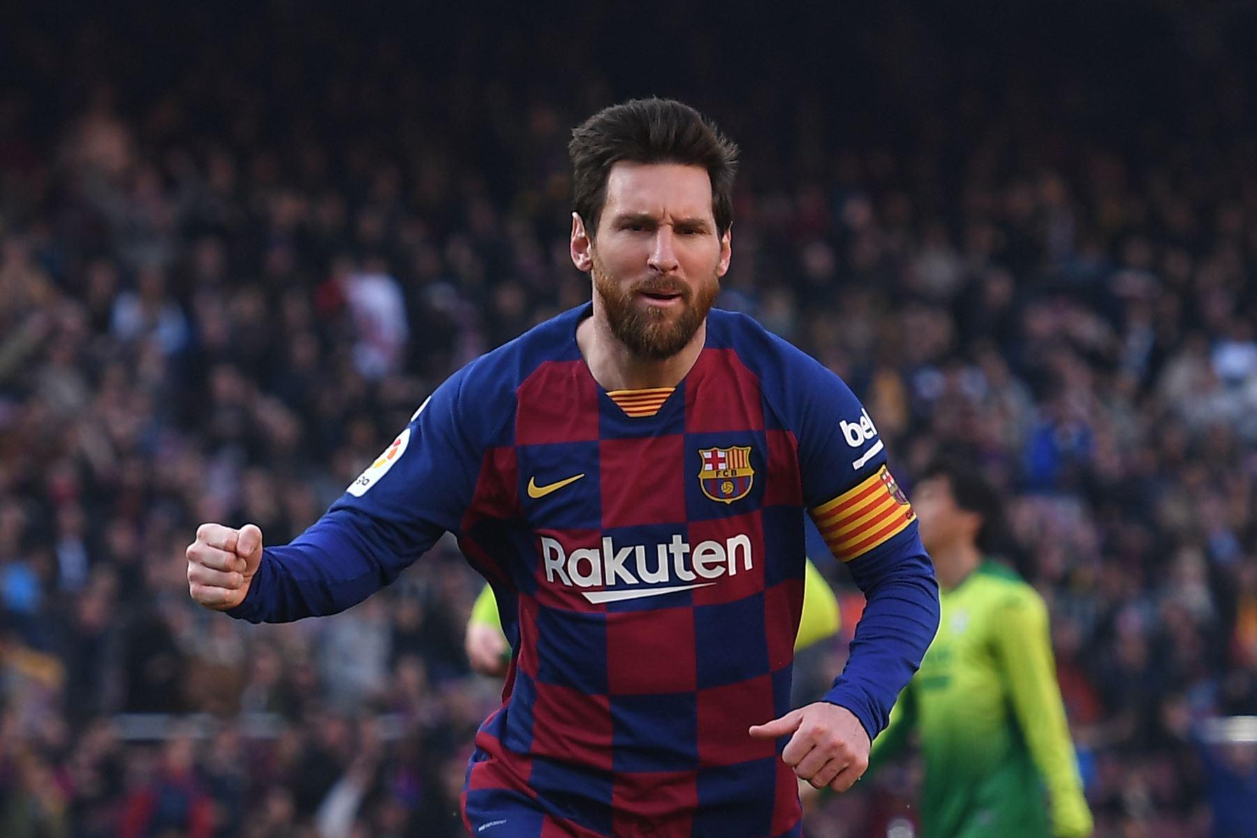 El delantero argentino de Barcelona, Lionel Messi, celebra después de anotar durante el partido de fútbol de la liga española FC Barcelona contra SD Eibar. Foto: AFP