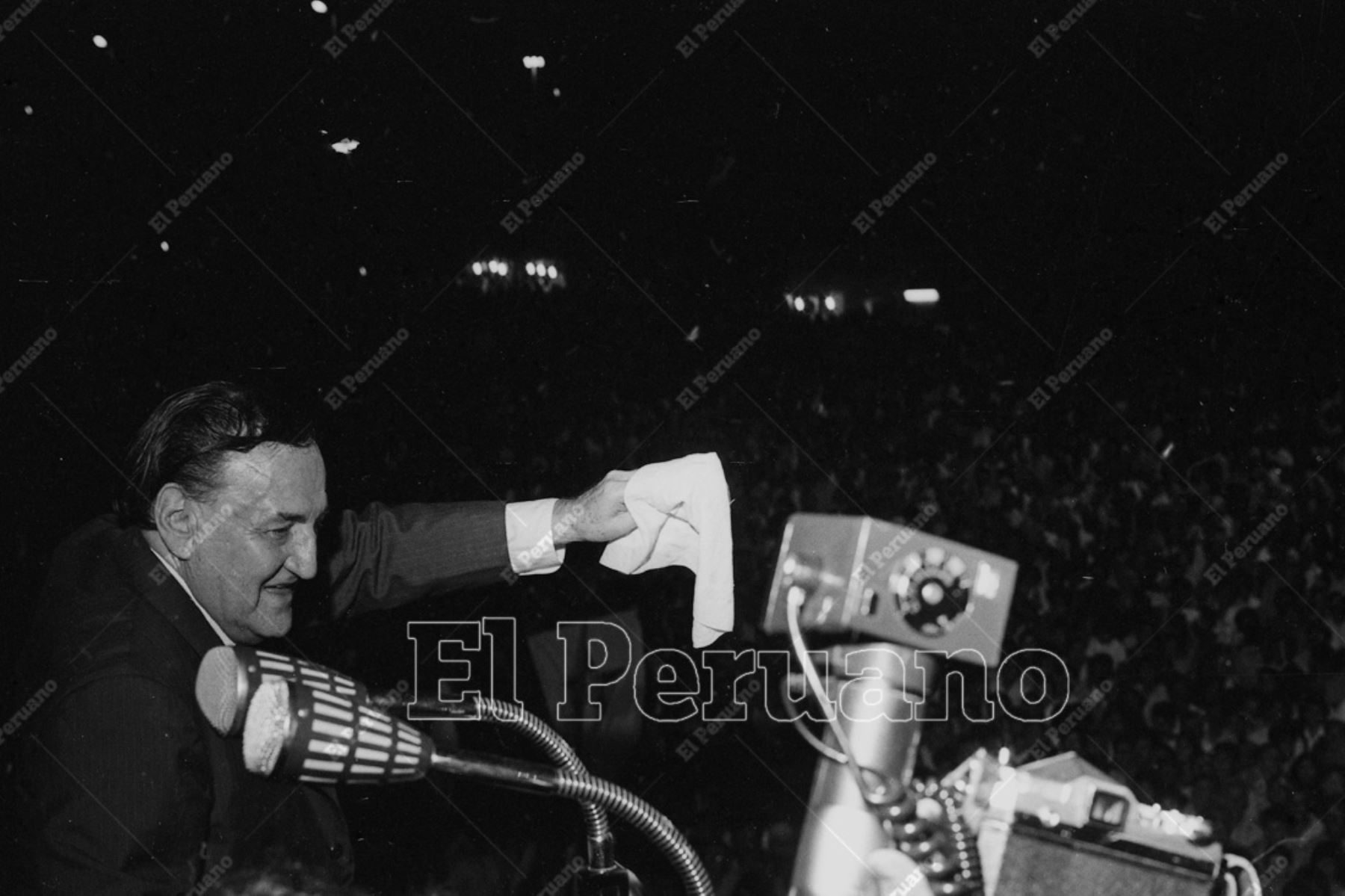 Lima - 18 febrero 1972 / Víctor Raúl Haya de la Torre en el mitin por el día de la freternidad aprista.  Foto: Archivo Histórico de El Peruano