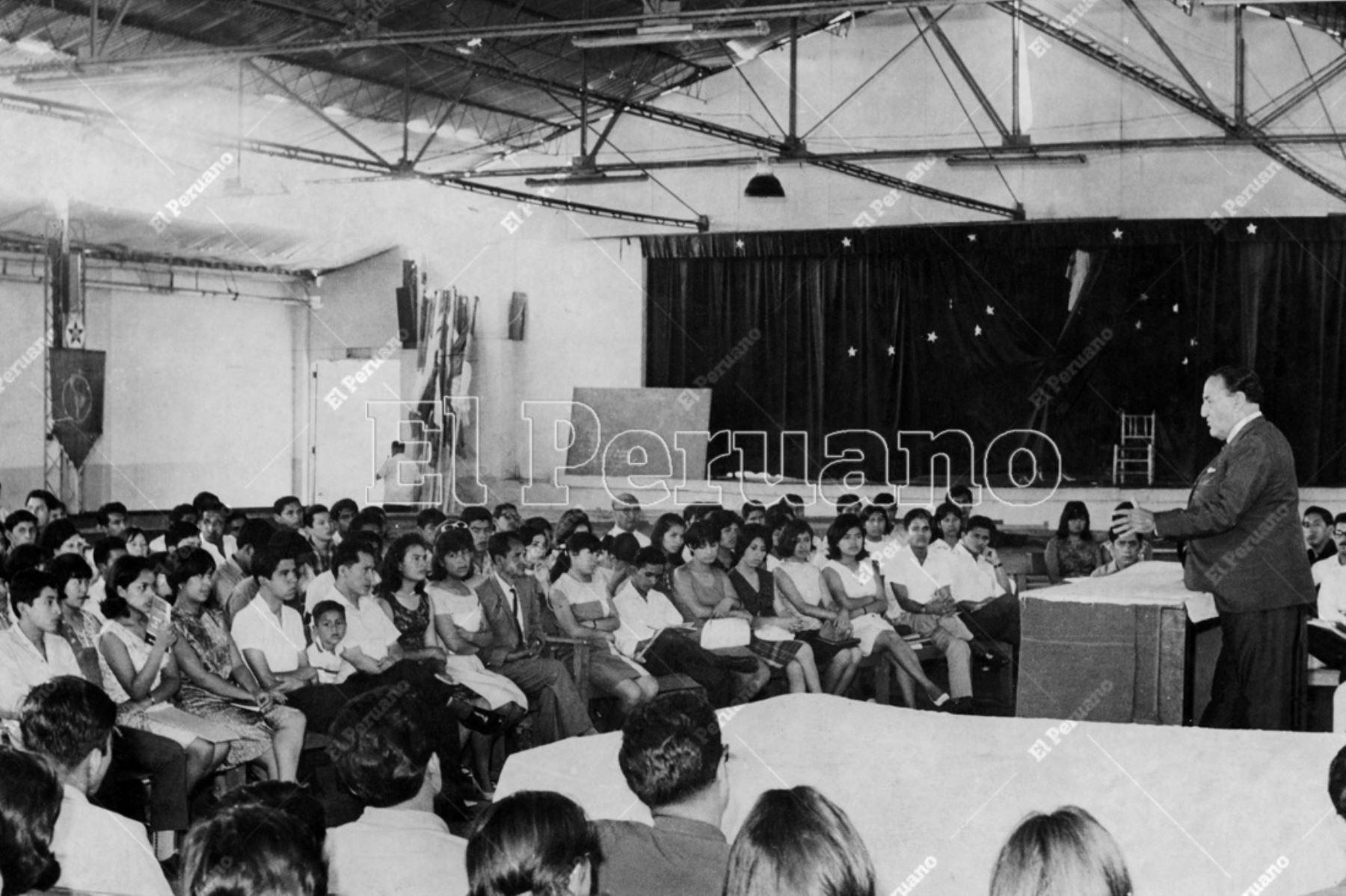 Lima - 19 enero 1968 / Víctor Raúl Haya de la Torre inaugura el Plenario Nacional del Partido Aprista Peruano en la Casa del Pueblo.  Foto: Archivo Histórico de El Peruano