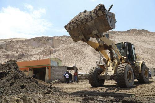 Presidente del Consejo de Ministros supervisa zonas afectadas por el huaico en Tacna y Moquegua