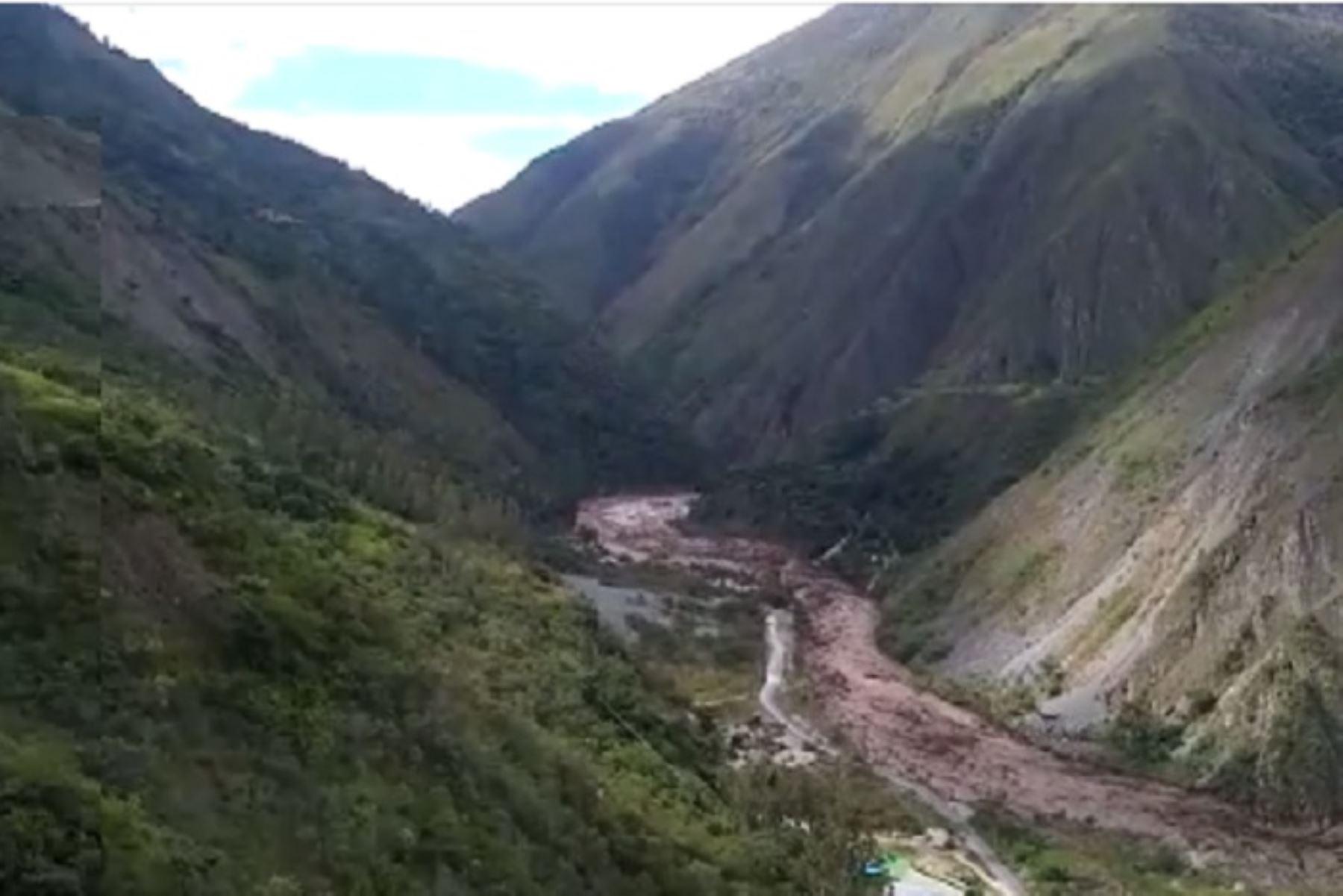 Fenómeno natural destruyó puentes, viviendas y carreteras, entre otros daños.