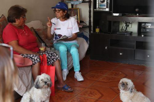 """Actividad preventiva """"Casa por casa"""" contra la violencia hacia la mujer y familia"""