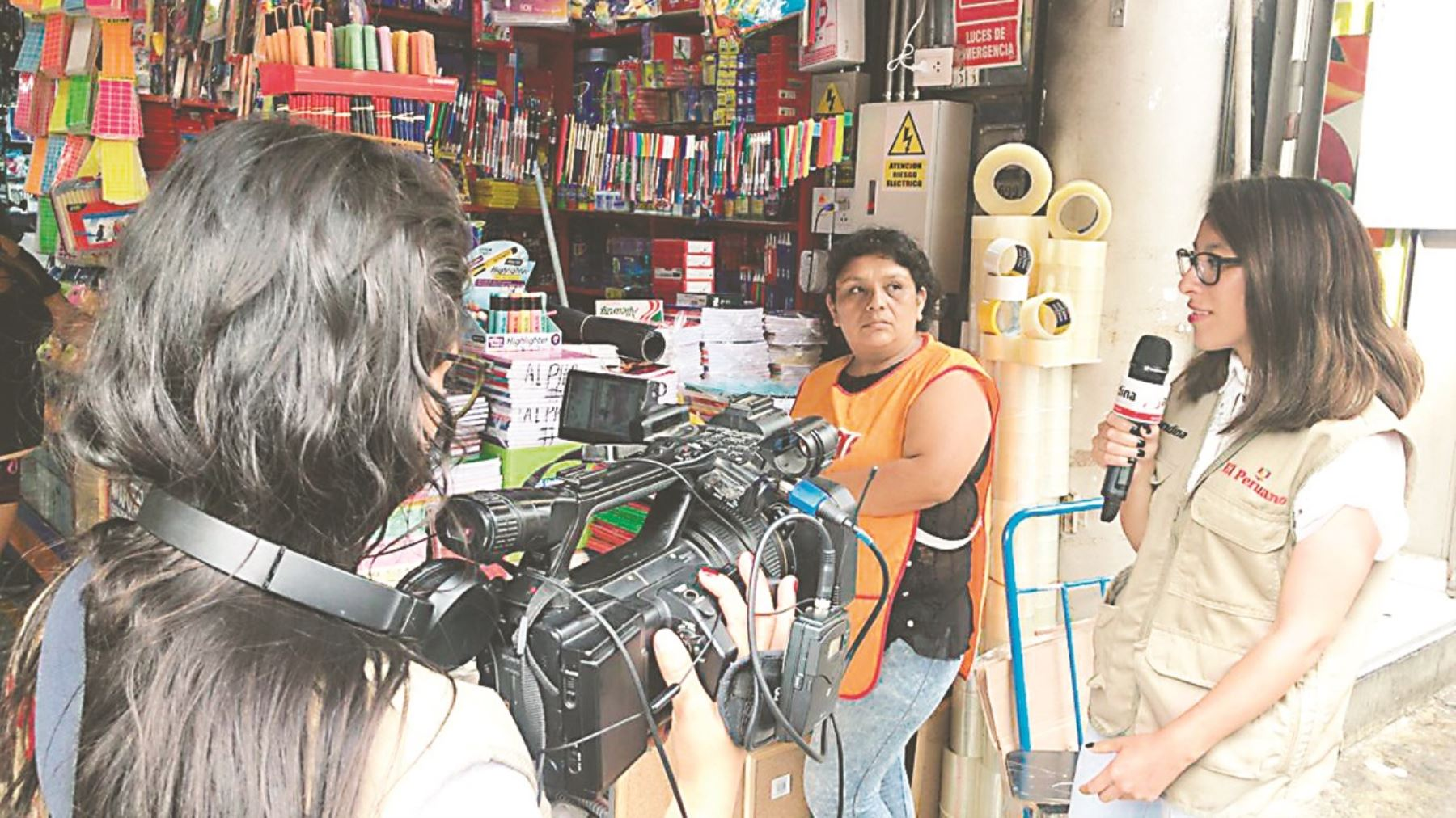Universitarios ganadores y finalistas del VI Concurso de Periodismo 'Trata de personas: mejores prácticas para su abordaje periodístico', participaron de la pasantía por un día 'Vive Andina', de Editora Perú.
