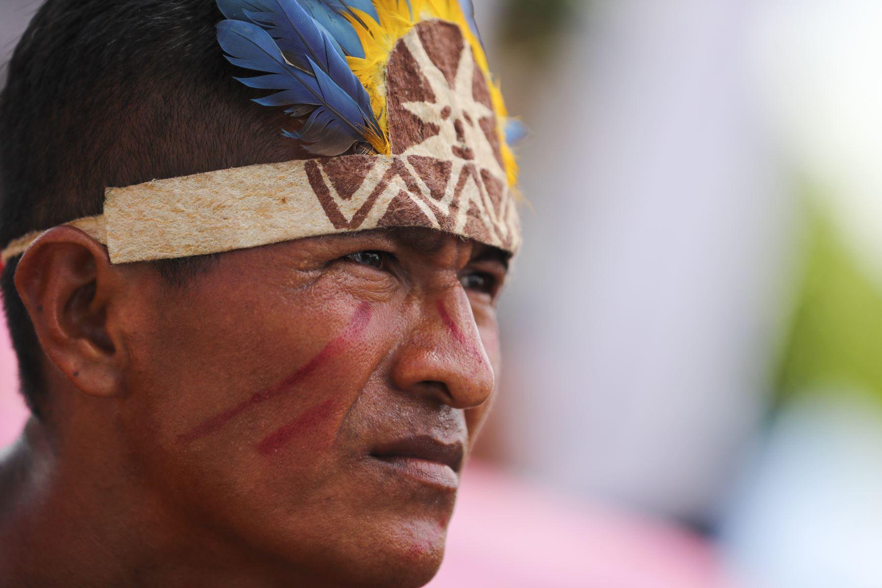 Retrato  a líder indígena en entrega de títulos en la región Loreto.Foto: ANDINA/Andrés Valle