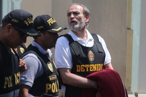 Yehude Simon, fue conducido a la Prefectura en el Cercado de Lima