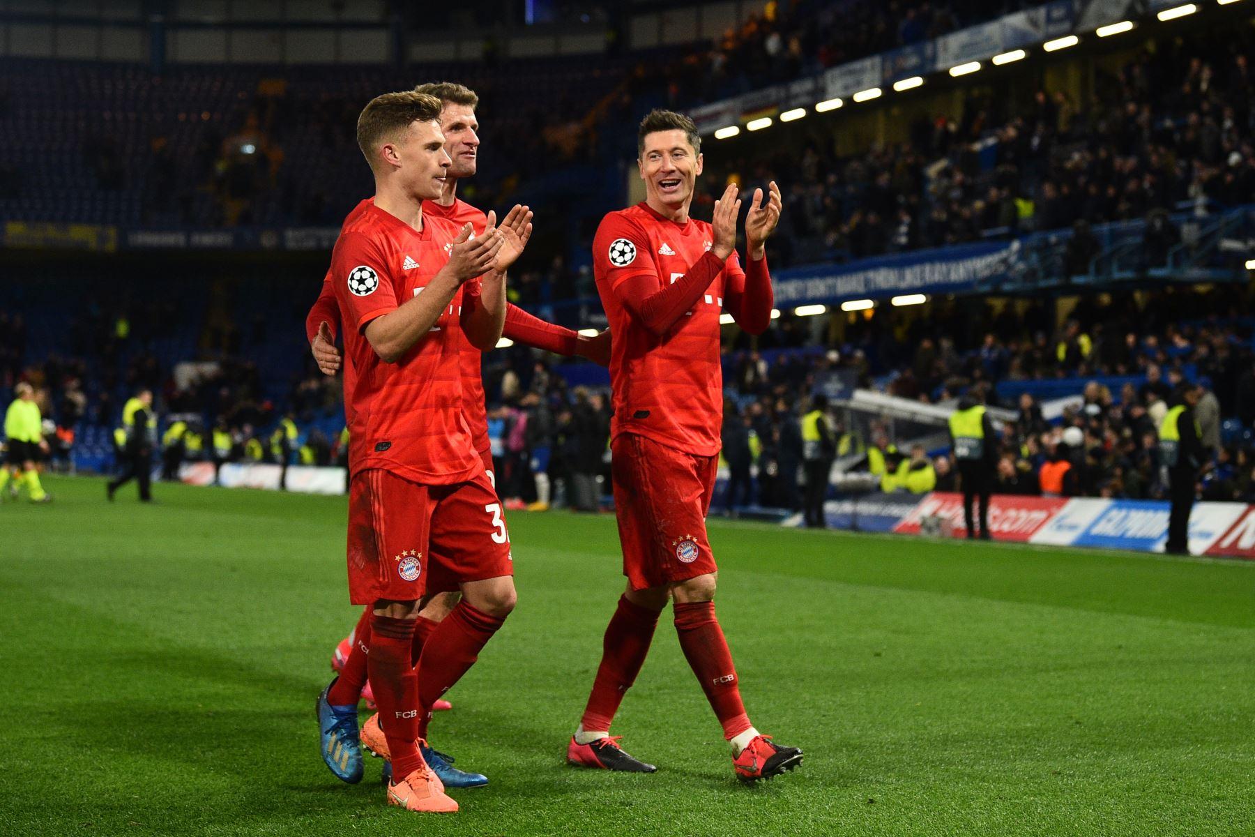 El mundo saluda el regreso del fútbol, las estrellas del Bayern en ...