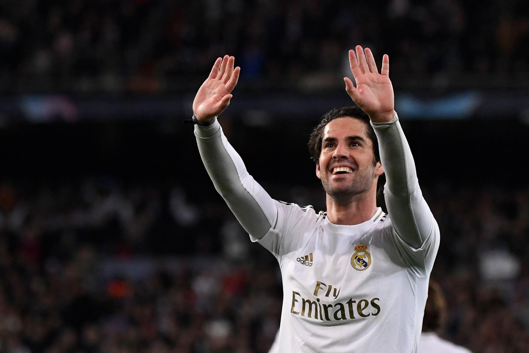 El centrocampista español del Real Madrid Isco celebra su gol durante la ronda de 16 de la UEFA Champions League en el partido de fútbol de ida entre el Real Madrid CF y el Manchester City. Foto: AFP