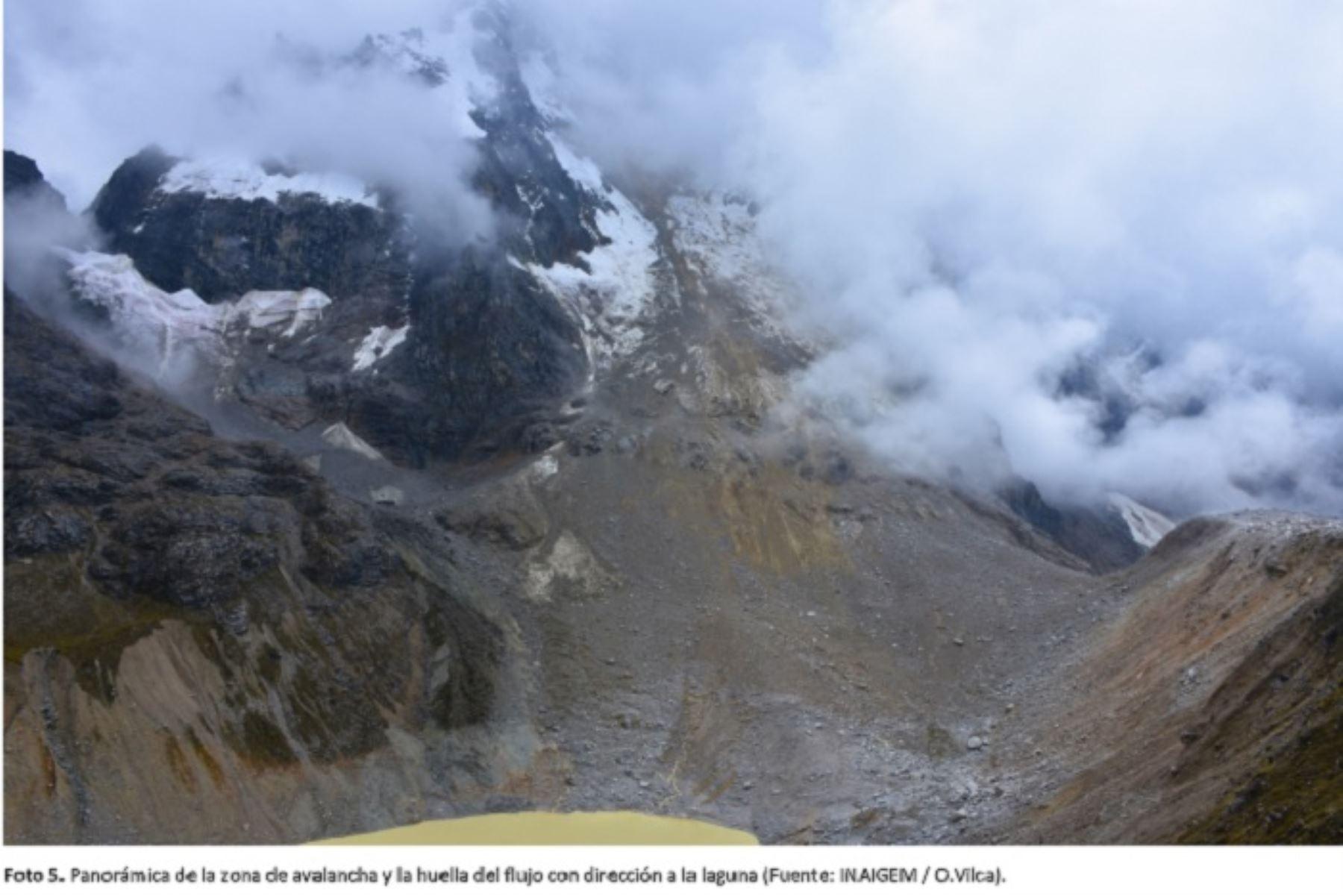 Científicos del Inaigem comprueban rompimiento de masa de roca del nevado Salkantay