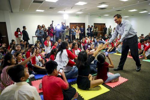 Presidente Vizcarra participó en diálogo con adolescentes por el derecho a la participación