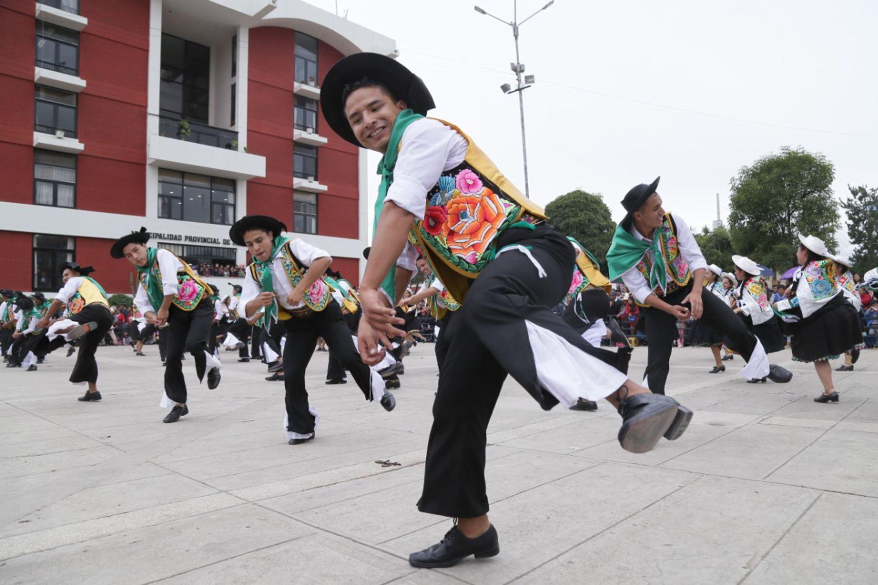 El Instituto de la Juventud y la Cultura de la Municipalidad Provincial de Huancayo celebró el día del Huaylarsh con el zapateo y el guapido de las wamblas y los walash de más de 30 instituciones folclóricas. Foto: Difusión Municipalidad Provincial de Huancayo