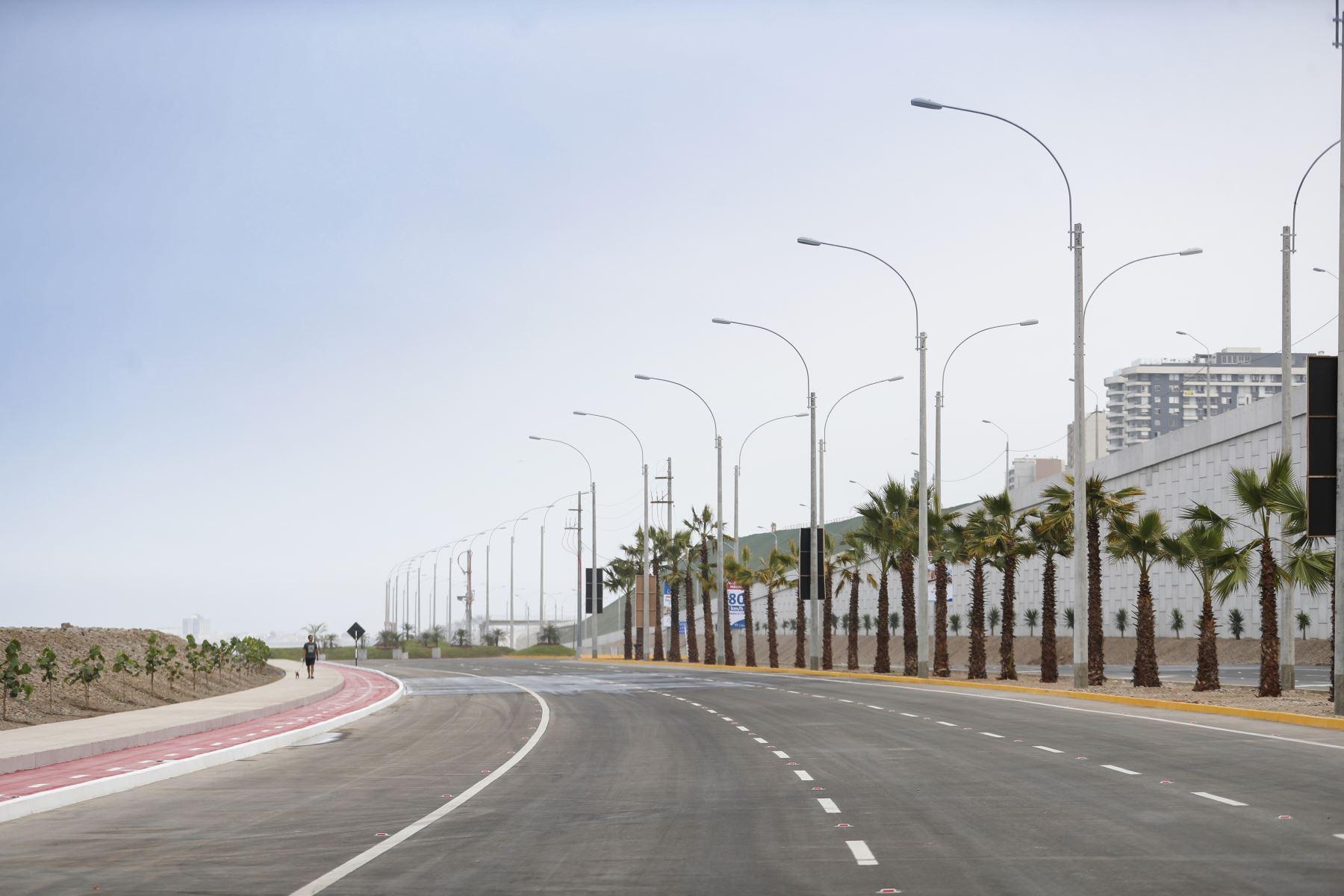 El alcalde de Lima, Jorge Muñoz, entregó esta mañana la gran obra vía Costa Verde, tramo av. Rafael Escardó - jr. Virú, infraestructura de 2.97 km de extensión que beneficiará a más de un millón de vecinos. Foto: ANDINA/Difusión