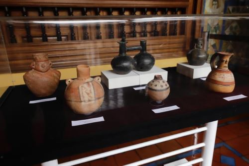 Ministra de Cultura recibe 21 bienes culturales recuperados que constituyen parte del Patrimonio Cultural