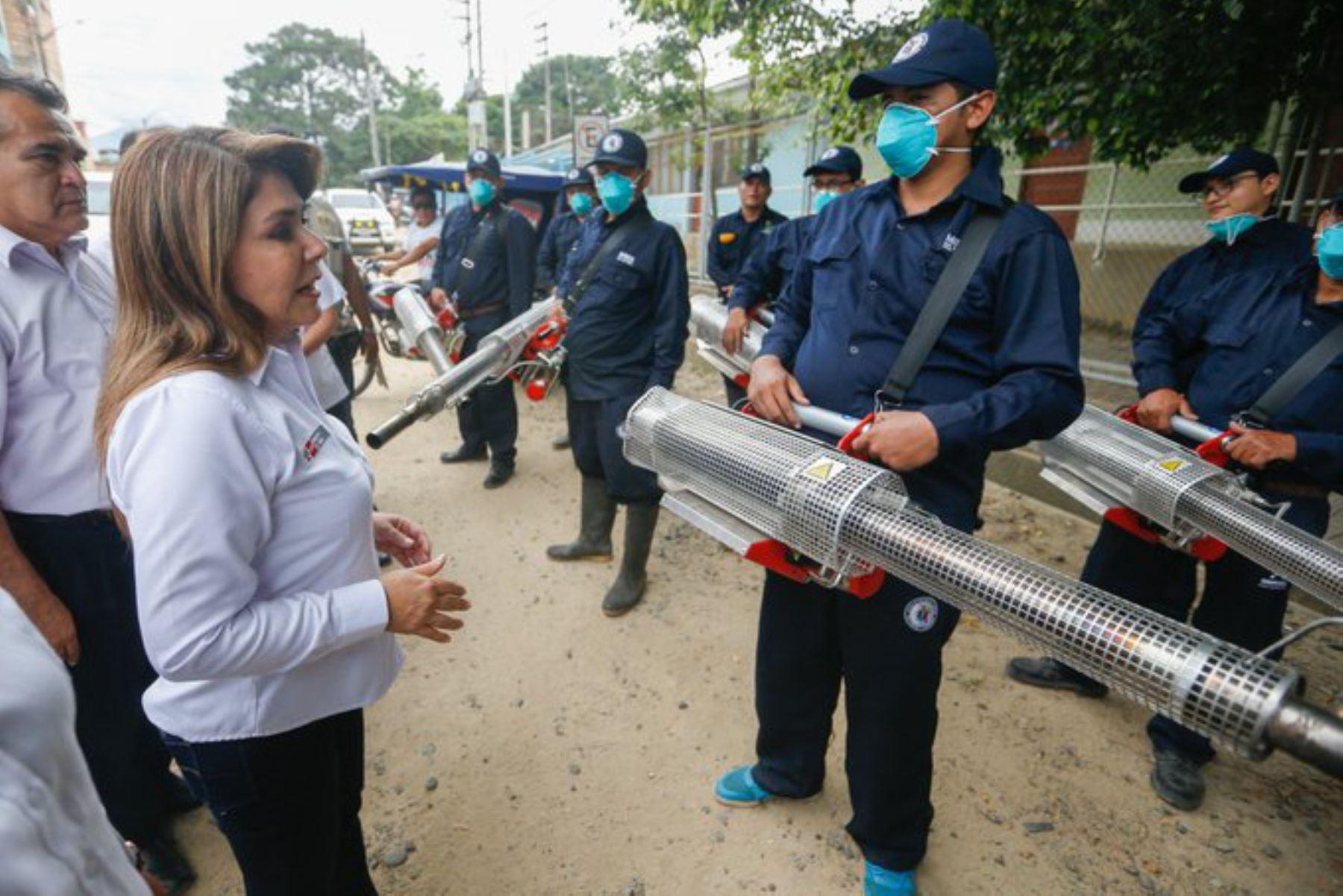 La ministra de Salud, Elizabeth Hinostroza, llegó hoy al departamento de San Martín para supervisar las acciones contra el vector Aedes aegypti que transmite el dengue.