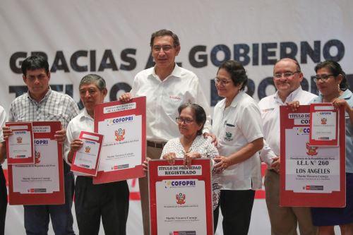 Presidente  Vizcarra entrega más de 1600 títulos de propiedad y supervisa entrega del Centro Infantil Cuna Más en Madre de Dios