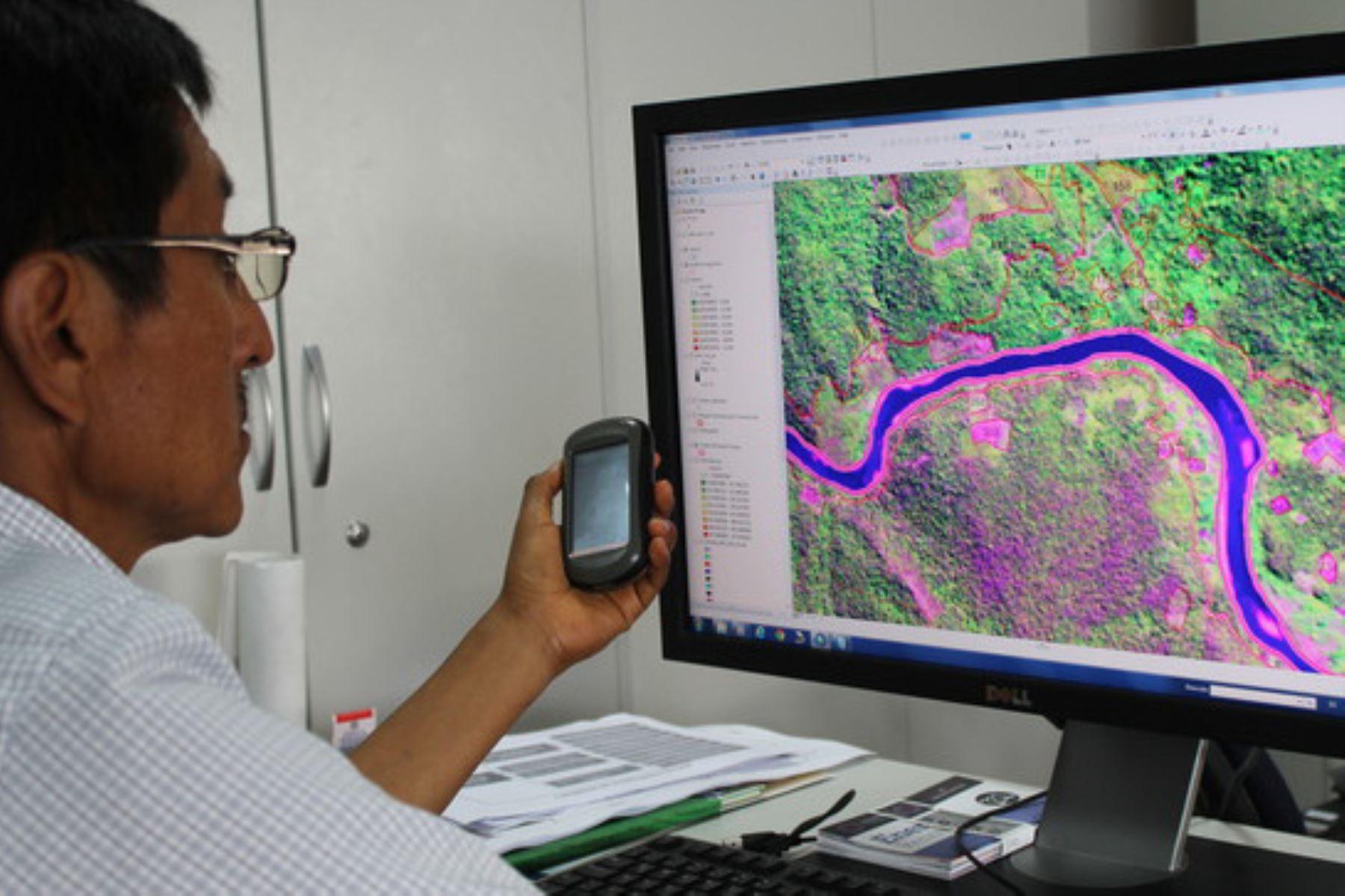 Las alertas tempranas de deforestación son generadas por el Minam, por medio del programa Bosques y su plataforma Geobosques.