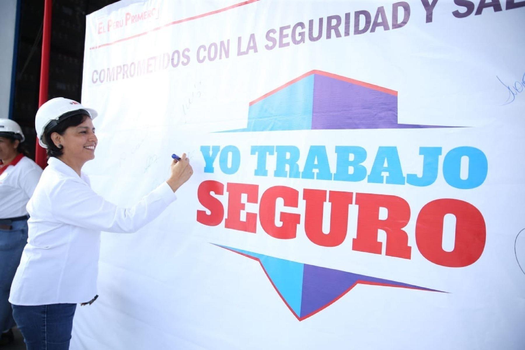 Ministra de Trabajo y Promoción del Empleo, Sylvia Cáceres.