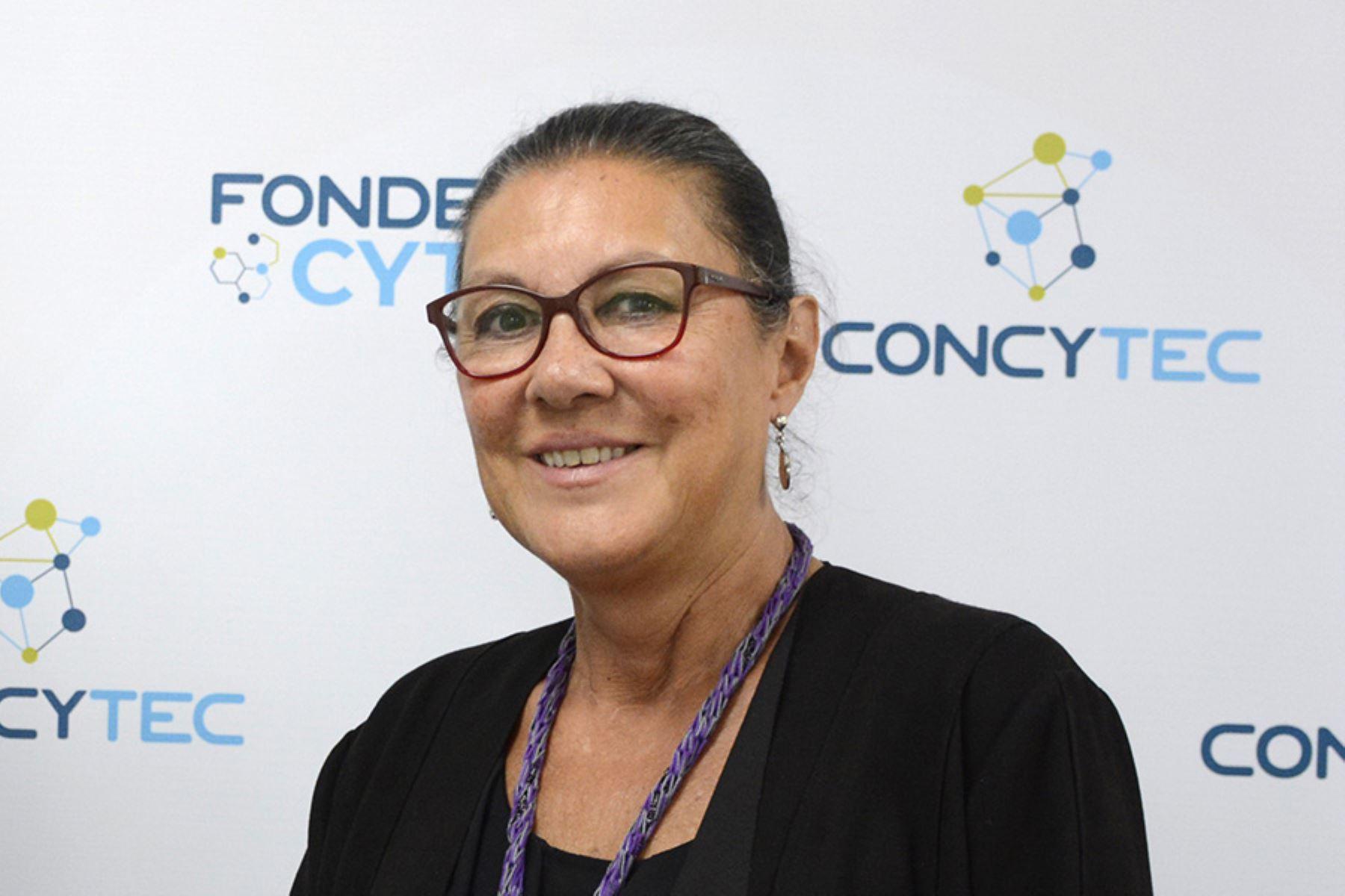 Fabiola León-Velarde, presidenta del Consejo Nacional de Ciencia, Tecnología e Innovación Tecnológica (Concytec), apoya propuestas del Comité Pro Mujer.