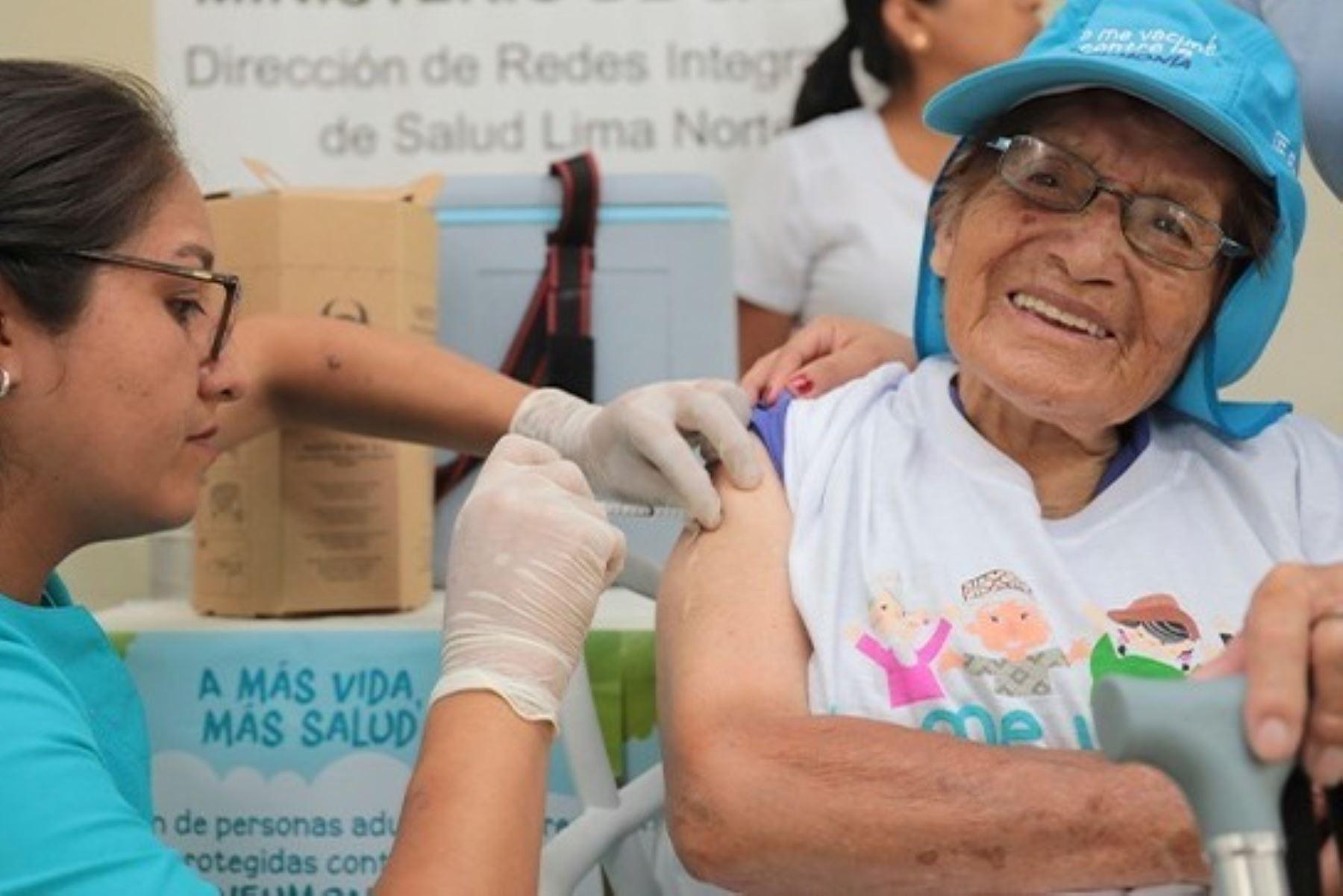 Coronavirus: adultos mayores vacunados contra neumococo el 2019 solo tendrán resfrío fuerte. Foto: ANDINA/difusión.
