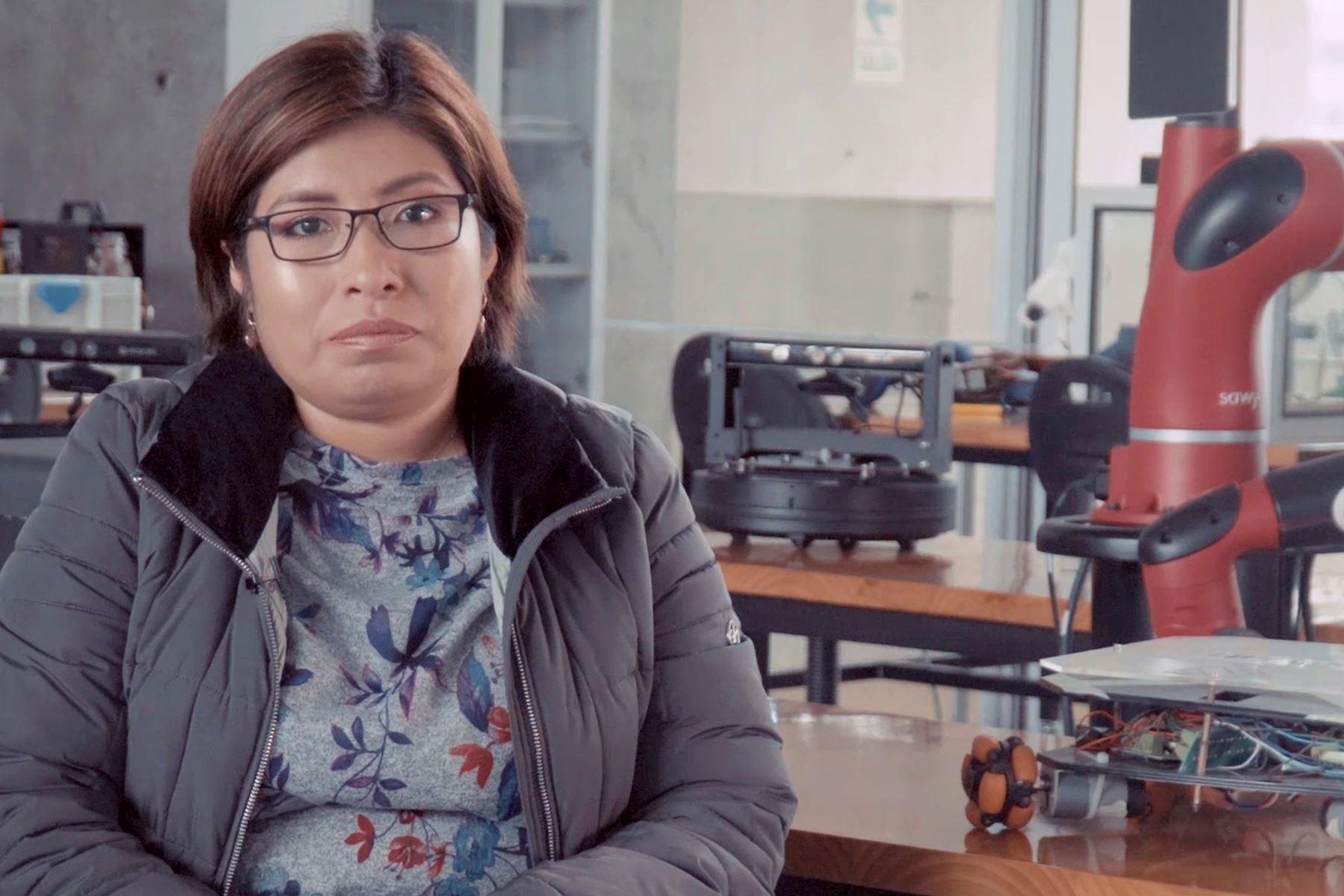 """Ruth Canahuire Cabello fue nominada al Premio Nacional """"Por las Mujeres en la Ciencia"""" del Concytec"""
