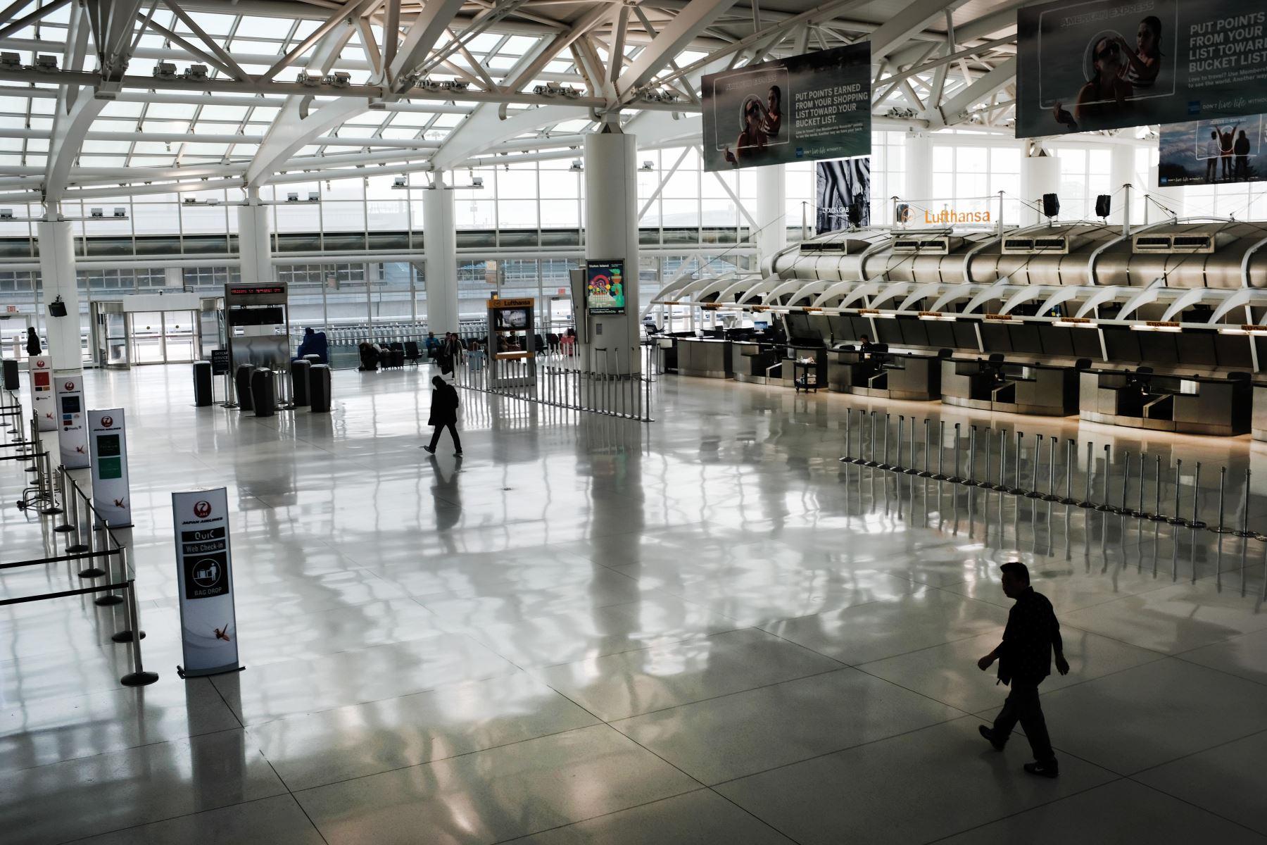 Viral: hombre vivió tres meses en aeropuerto por