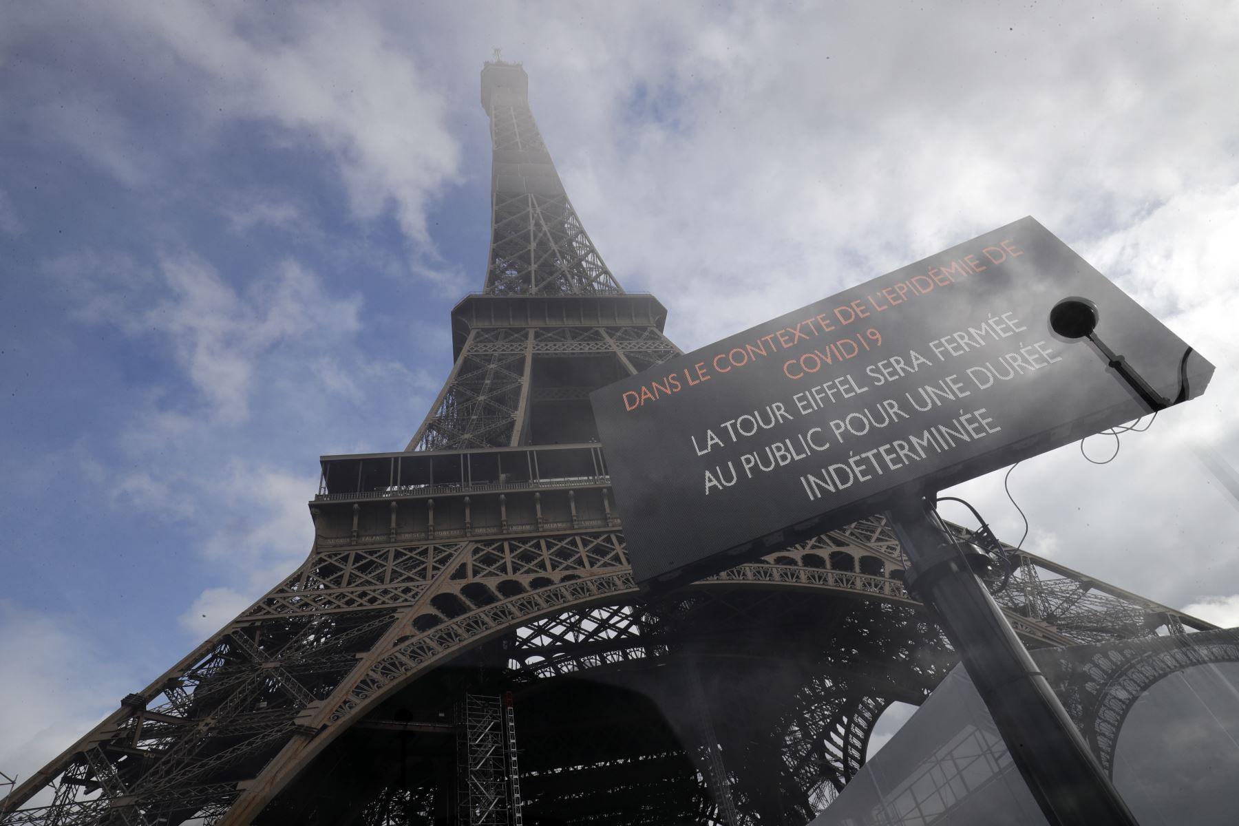 Reabre la Torre Eiffel tras ser evacuada por una alerta de bomba   Noticias