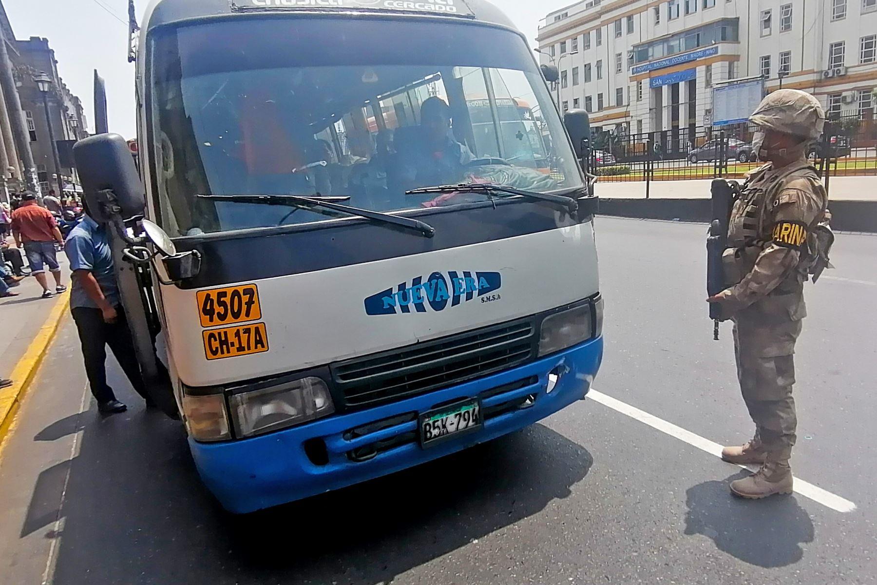 La ATU reconoce que debido a la necesidad de que se cumplan las medidas sanitarias en el transporte público, es oportuno que el Estado ofrezca un subsidio que permitirá a los transportistas compensar algunos costos fijos. ANDINA
