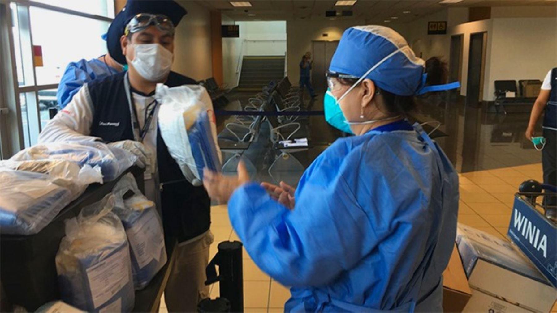 Coronavirus: Minsa entrega equipos de protección al personal de salud. Foto: ANDINA/Minsa.