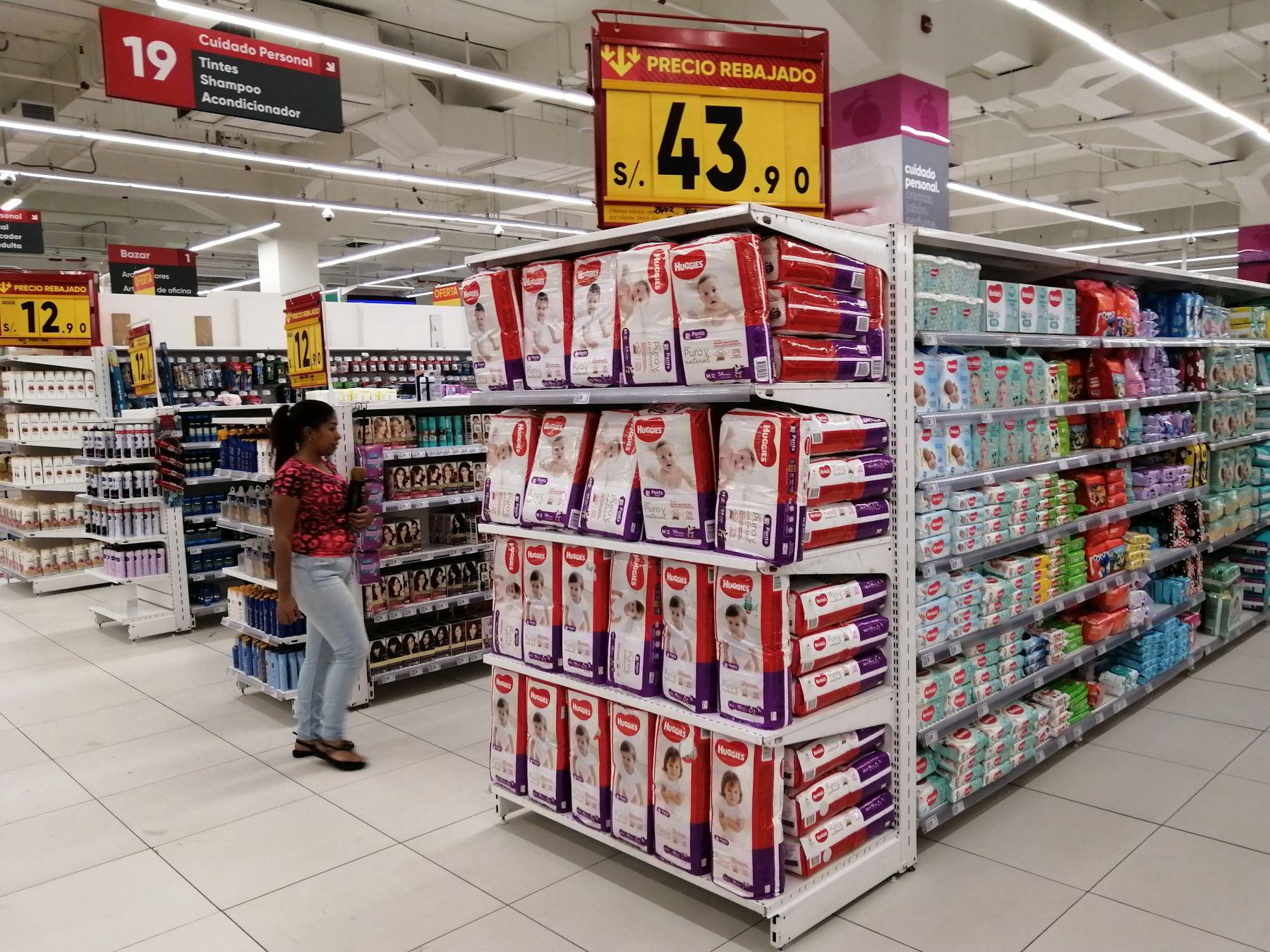 Abastecimiento normal en supermercados. ANDINA/Jhonel Rodríguez Robles