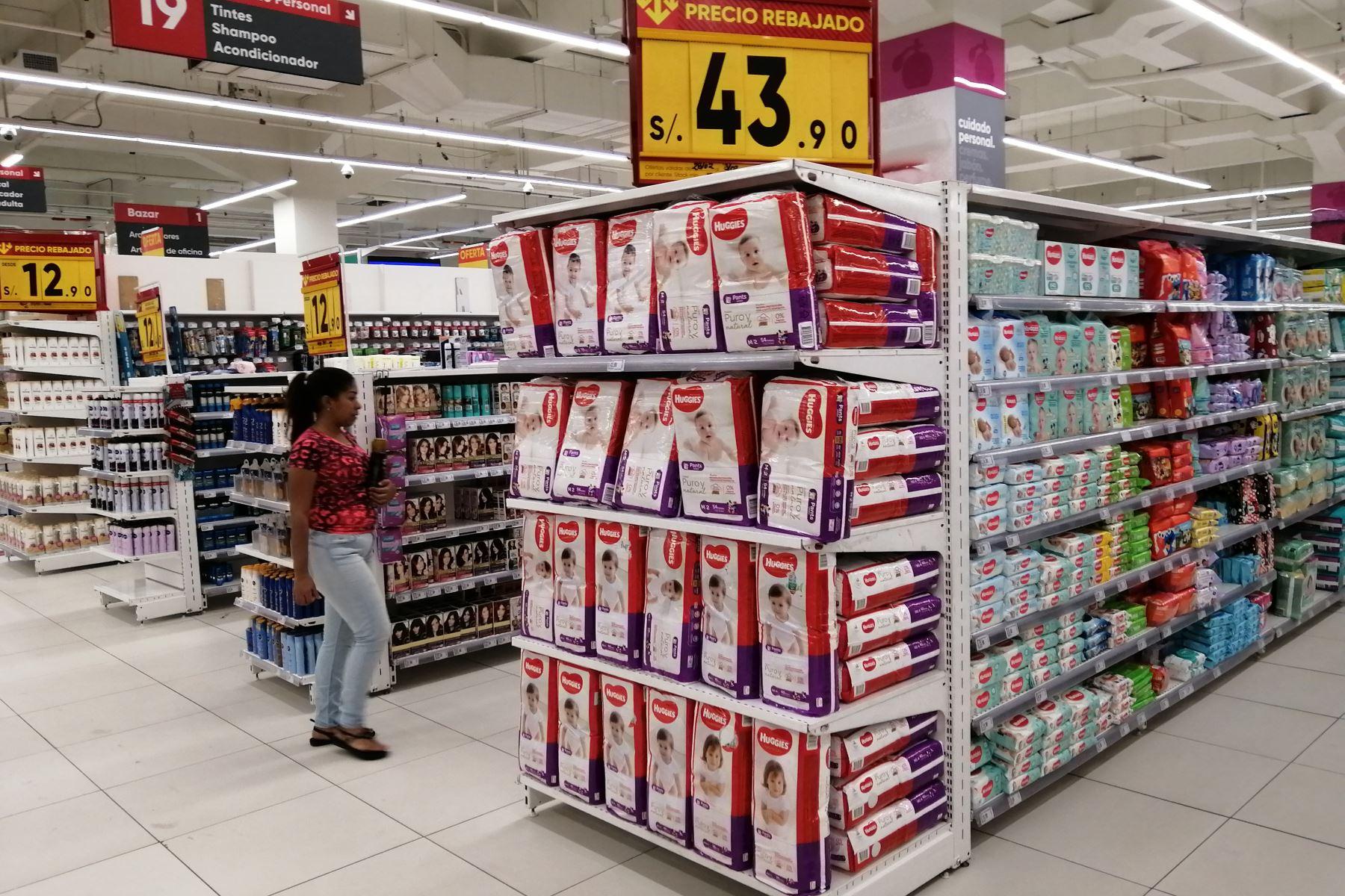 Ni supermercados ni mercados ni farmacias abrirán los domingos. Foto: ANDINA/Jhonel Rodríguez Robles.